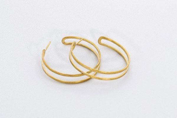 Pendiente Aro Reflejo hecho por Diurna Metal Jewelry