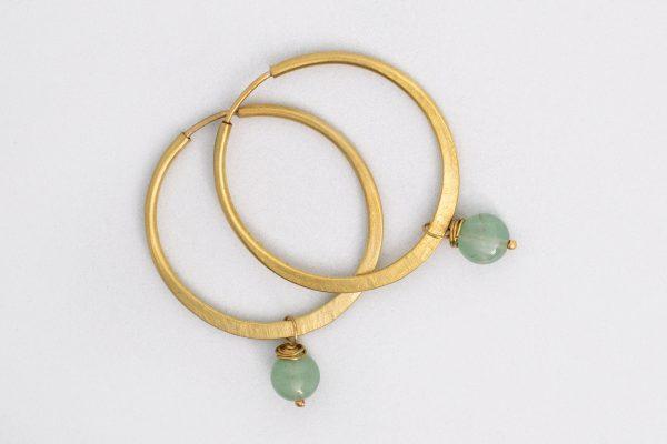 Pendiente Aro y Aventurina hecho por Diurna Metal Jewelry