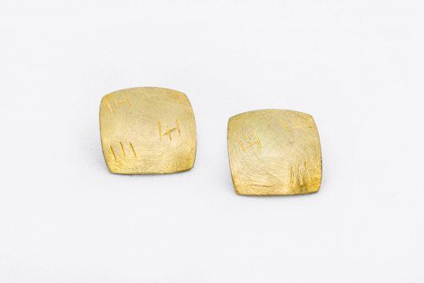 Pendiente Boite Cuadrado hecho por Diurna Metal Jewelry