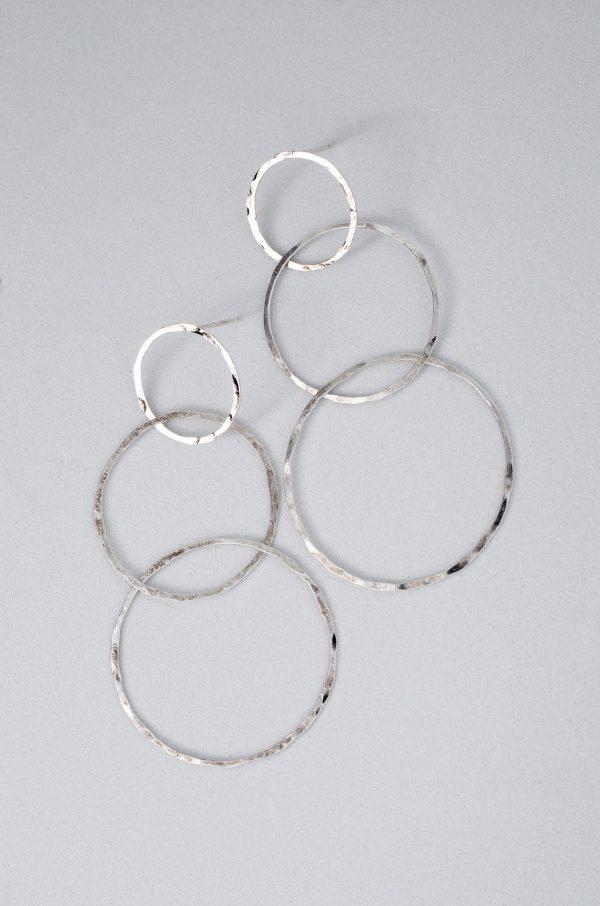 Pendiente Tres Aros Plata hecho por Diurna Metal Jewelry